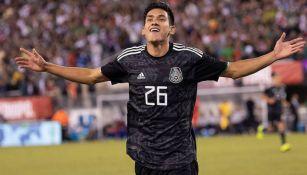 Antuna celebra gol con la Selección Mexicana