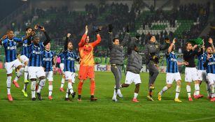 Jugadores del Inter de Milan celebran la victoria