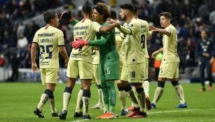 Jugadores del América celebrando la victoria ante Monterrey