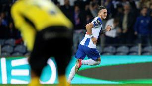 Porto, con 'Tecatito' Corona los 90 minutos, derrotó al Portimonense