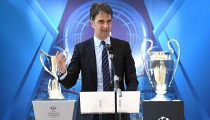 Vicepresidente de la UEFA durante una conferencia de prensa