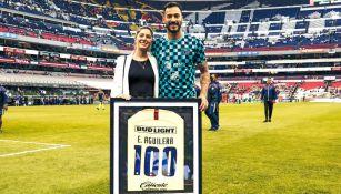 América reconoció a Emanuel Aguilera por cumplir 100 partidos con las Águilas