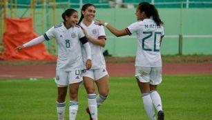 Jugadores del Tri Femenil Sub 20 festejando un gol ante Granada