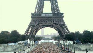 La salida del maratón de Paris, Francia