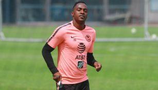 Renato Ibarra en entrenamiento