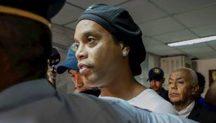 Ronaldinho detenido en Asunción, Paraguay