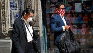 Personas caminando en las calles de la CDMX