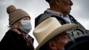 Pueblo mexicano tomando precauciones