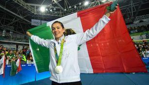 María del Rosario Espinoza con la bandera de México en Río 2016
