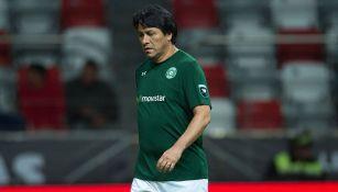 Claudio Suárez durante un partido amistoso