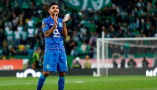 Jesús Corona se despide de la afición en un partido con el Porto