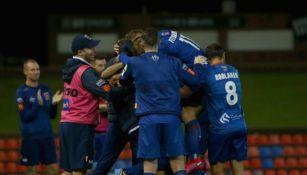 Elementos del Jets de Newcastle festejan un triunfo