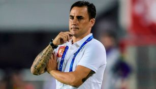 Fabio Cannavaro observa un duelo del Guangzhou