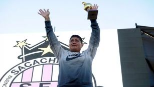 Futbolista argentino, el ídolo del Sacachispas que es basurero