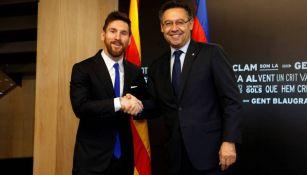 Messi y Bartomeu durante una reunión en el club