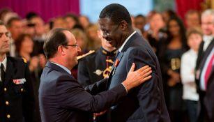 Pape Diouf (derecha), expresidente del Olympique de Marsella