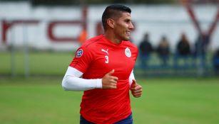 Carlos Salcido en un entrenamiento con Chivas