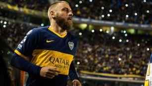 De Rossi en partido con Boca Juniors