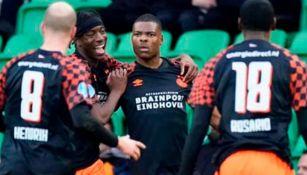Festejo de jugadores del PSV