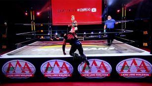 Una de las luchas en Lucha Fighter AAA