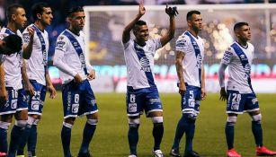 Jugadores del Puebla previo a un duelo en el Clausura 2020