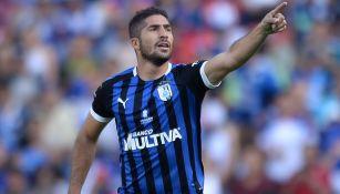 Jair Pereira durante un duelo con Querétaro