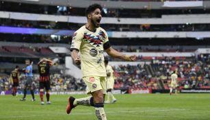 El paraguayo celebra un gol con las Águilas