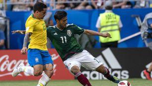 Carlos Vela en el partido contra Brasil en el Mundial de 2018