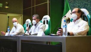Miguel Ángel Riquelme y Dante Elizalde en conferencia de prensa