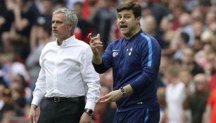 Pochettino y Mourinho durante un duelo en la Premier League