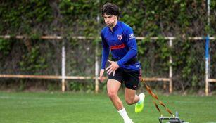 Joao Félix sufrió esguince de un ligamento en la rodilla izquierda