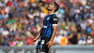 Jair Pereira se lamenta en juego de Gallos