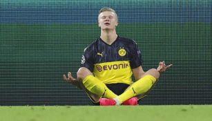 Haaland en festejo de gol con Borussia Dortmund