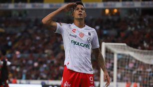 Mauro Quiroga celebra una anotación con Necaxa
