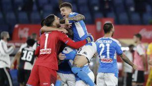 Napoli rompió todos los protocolos de distancia en festejo por título