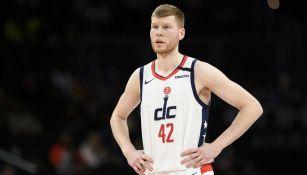 NBA: Davis Bertans no jugará en el regreso de la Liga
