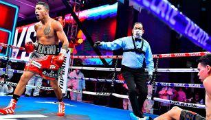 'Alacrán' Berchelt noqueó al 'Tronco' Valenzuela en noche de boxeo en CDMX