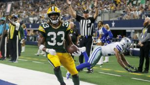 Aaron Jones durante un partido con Green Bay