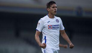 Josué Reyes festeja uno de los goles