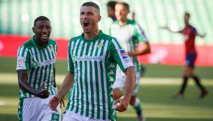 Guido Rodríguez festeja su primer gol con el Betis