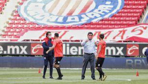 Chivas: Luis Fernando Tena aseguró que el uso de cubrebocas debe ser obligatorio