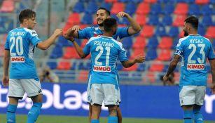 Jugadores del Napoli festejan un gol