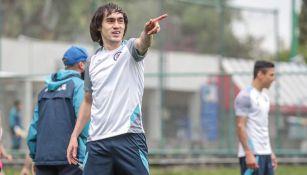 Shaggy Martínez durante un entrenamiento con Cruz Azul