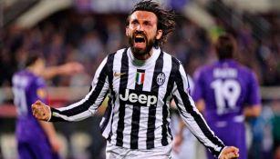 Pirlo celebra un gol con Juventus