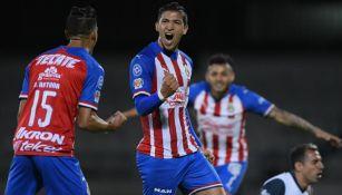 Ángel Zaldívar en celebración de gol con Chivas