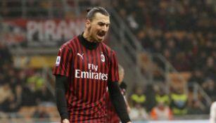 Serie A: Zlatan posó con el nuevo uniforme del Milan