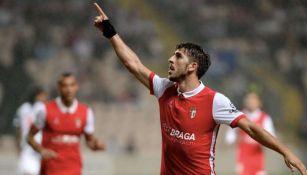 Paulinho celebrando un gol con Braga