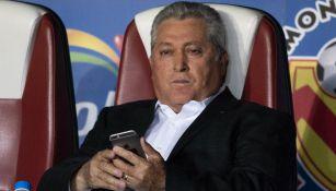 Chivas: Tras derrota ante Santos, afición rojiblanca pide a Vucetich