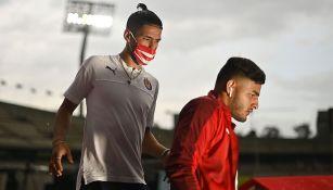 Alexis Vega y Uriel Antuna previo a un partido