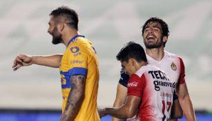 Gignac y Briseño durante el partido